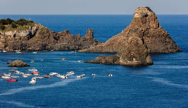 Weekend ad Acitrezza: in un hotel 4* sulla costa ad un passo dalla Riviera dei Ciclopi