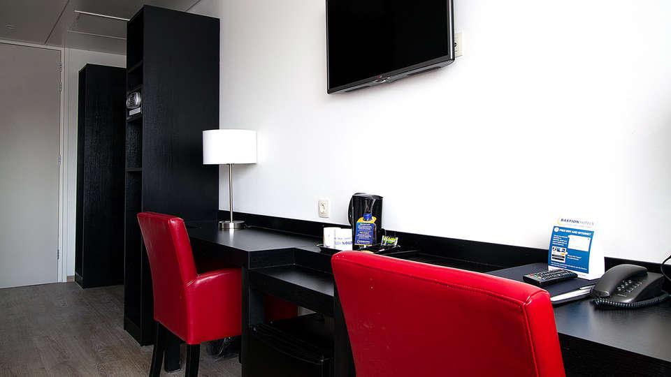 Bastion Hotel Leeuwarden - Edit_Room.jpg