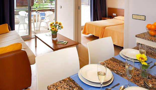 Escapada en apartamento totalmente equipado con desayuno en Platja d' Aro