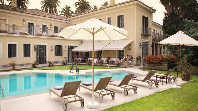 Escapada romántica con cena y bañera de hidromasaje privada en Jerez