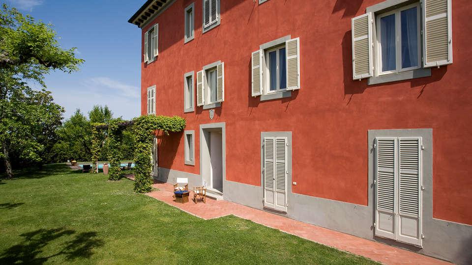 Villa Cassia di Baccano - Edit_Front2.jpg