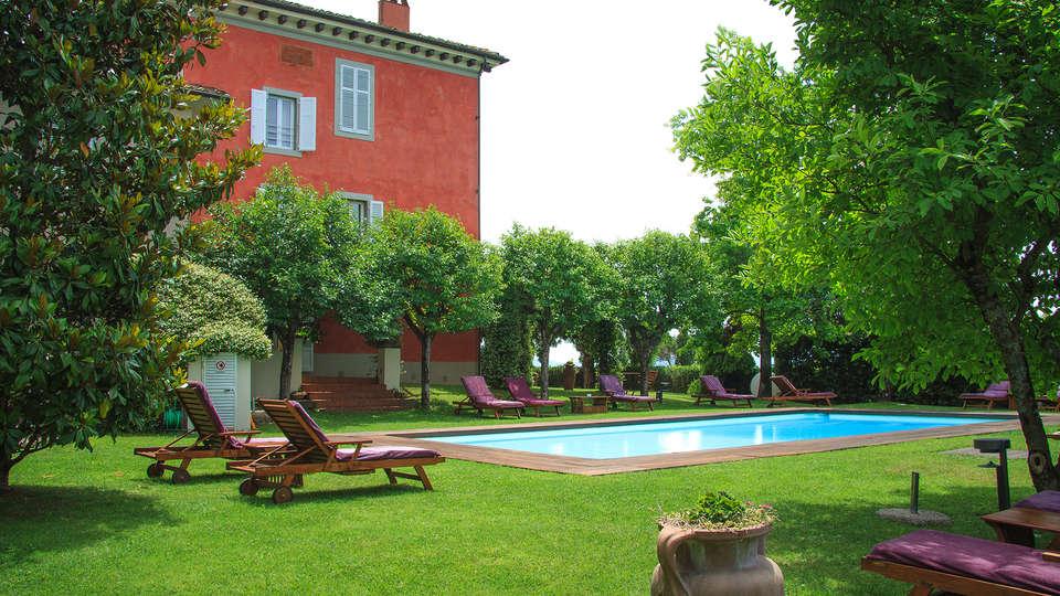 Villa Cassia di Baccano - Edit_Pool7.jpg