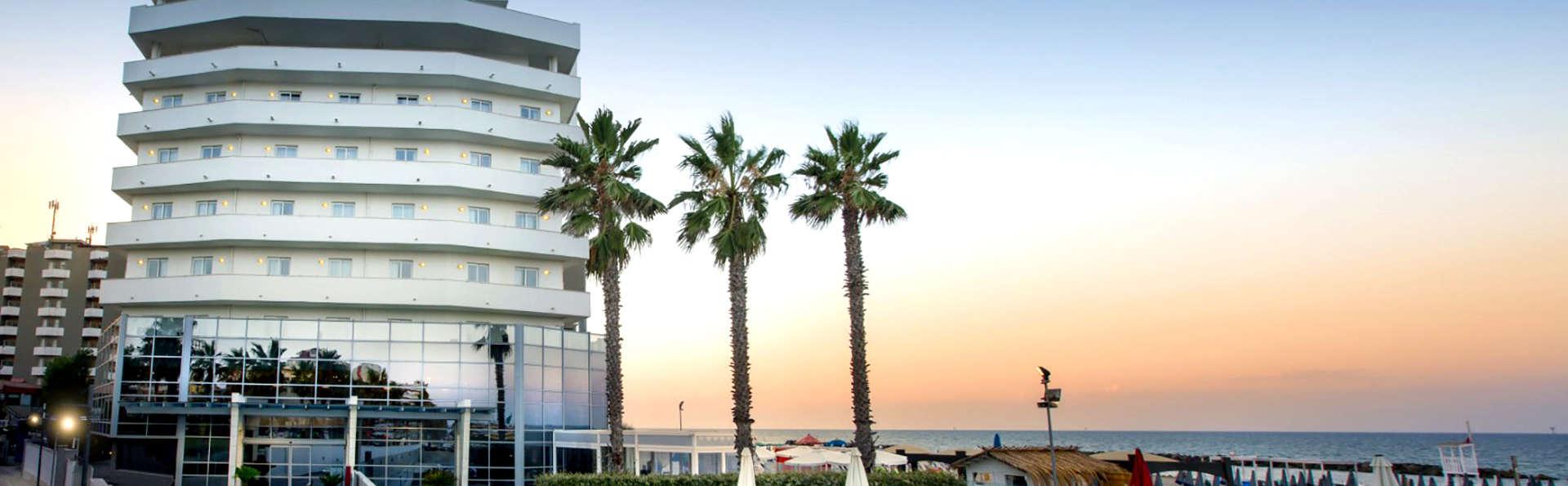 Weekend a Montesilvano in hotel fronte mare con colazione e parcheggio inclusi