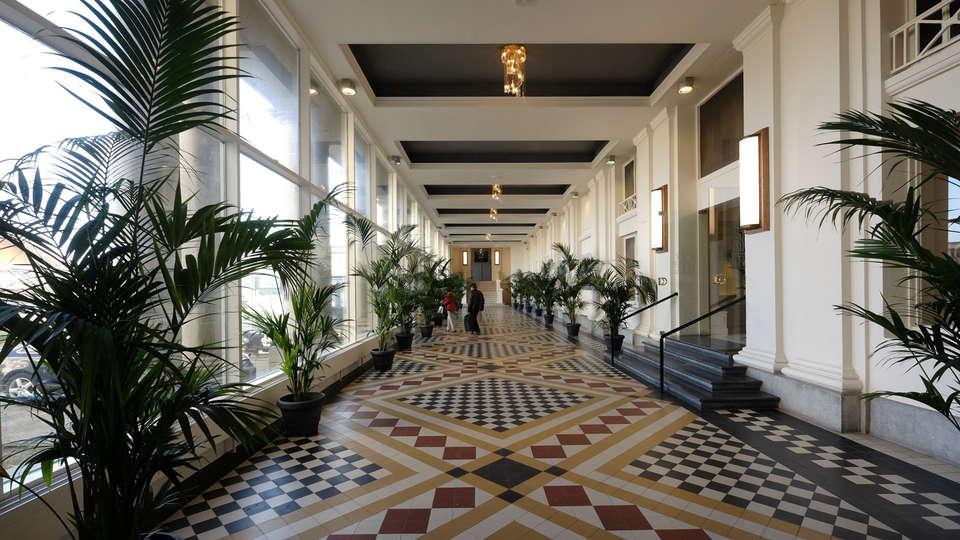 Thermae Palace - edit_hall21.jpg