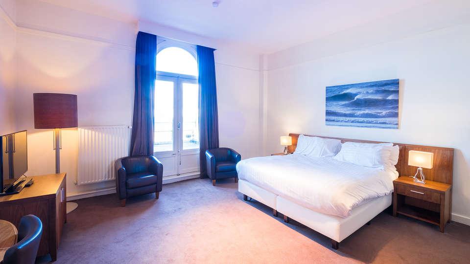 Thermae Palace - edit_room3.jpg