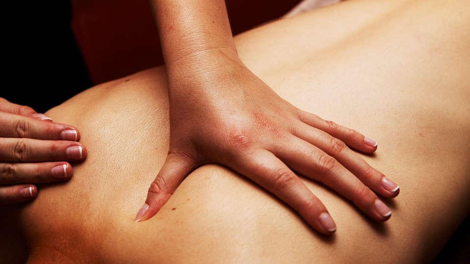 Hôtel et SPA le Lion d'Or - EDIT_massage.jpg