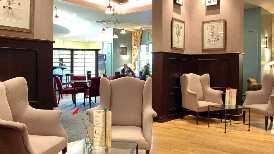 Mercure Lille Metropole - EDIT_lobby.jpg