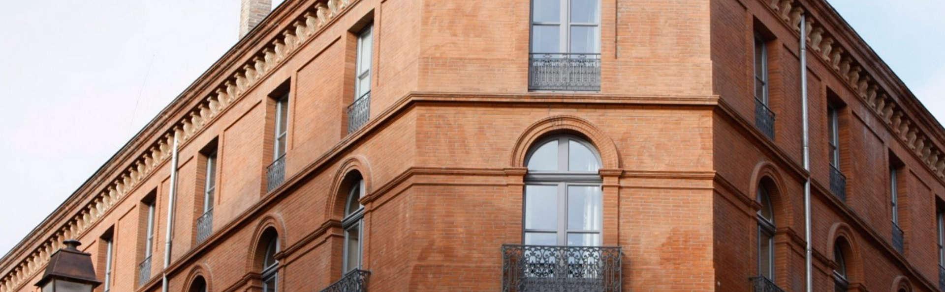 Hôtel Le Grand Balcon - EDIT_front.jpg