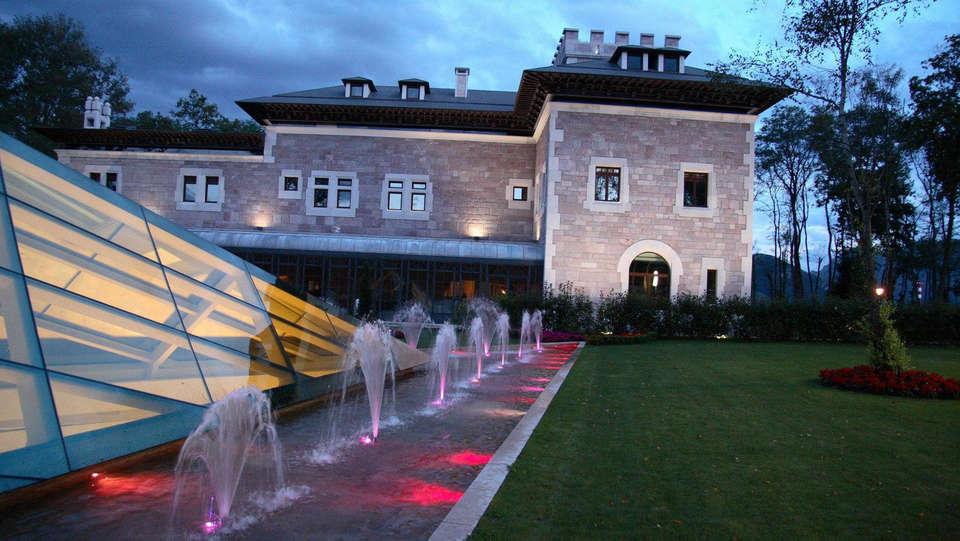 Hotel Castillo del Bosque La Zoreda - EDIT_front1.jpg