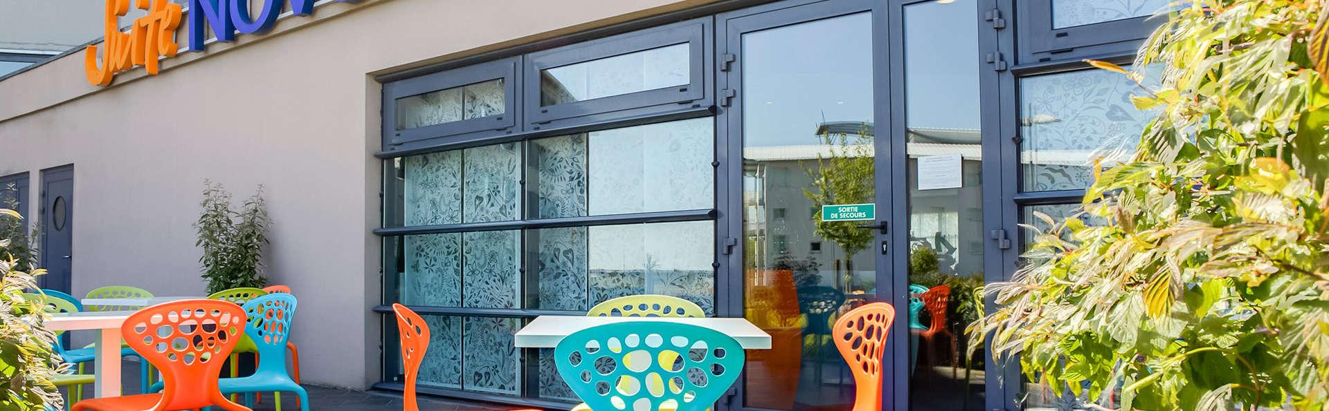 Novotel Suites Calais Coquelles - EDIT_terrace.jpg