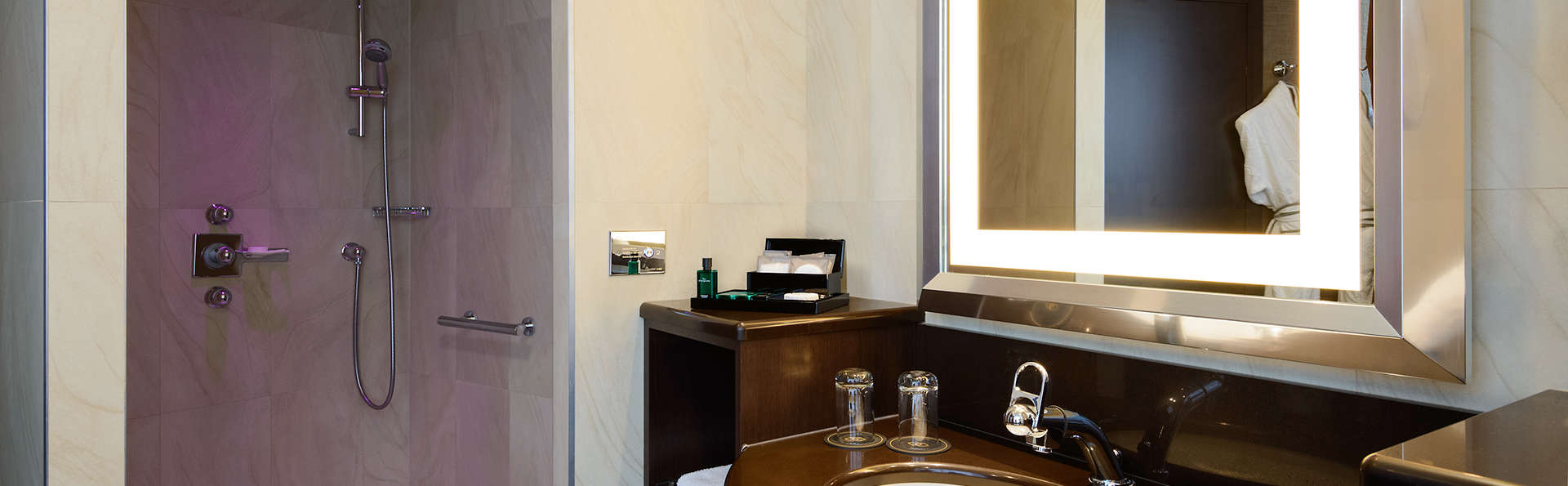 Sofitel Luxembourg Europe  - Edit_Bathroom.jpg