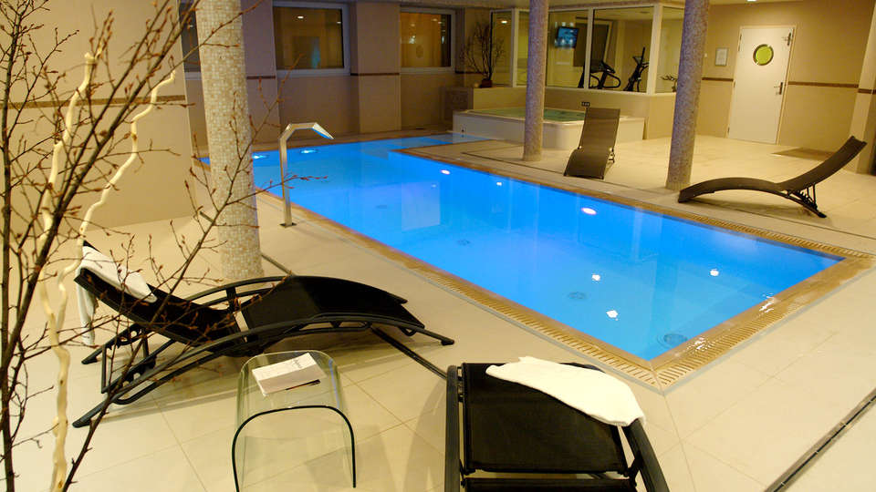 Novotel Spa Rennes Centre Gare - Edit_Spa10.jpg
