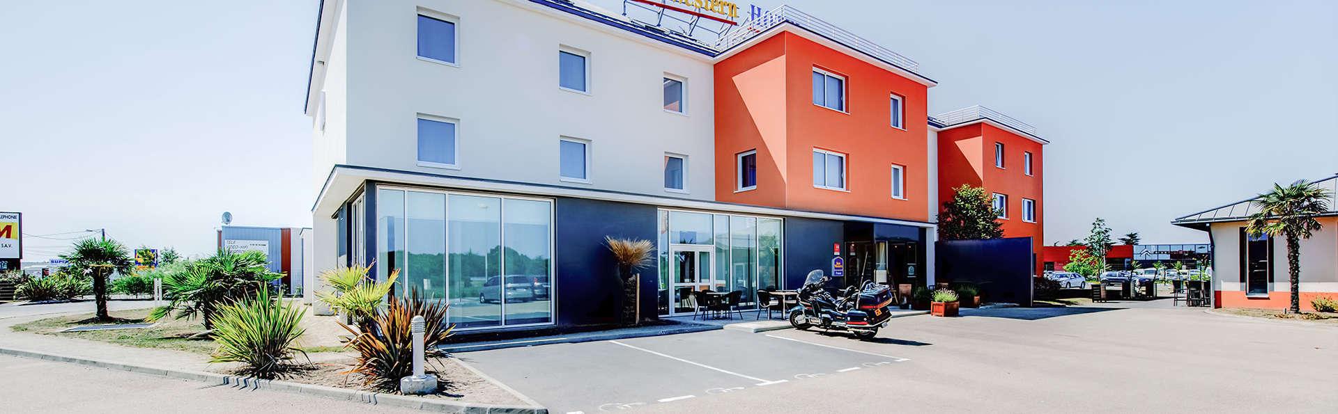 Hôtel Le Mauritia - Edit_Front.jpg