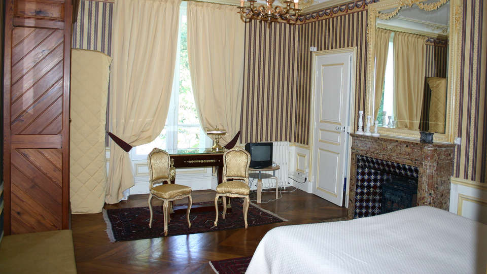 Domaine de Moresville  - EDIT_room7.jpg