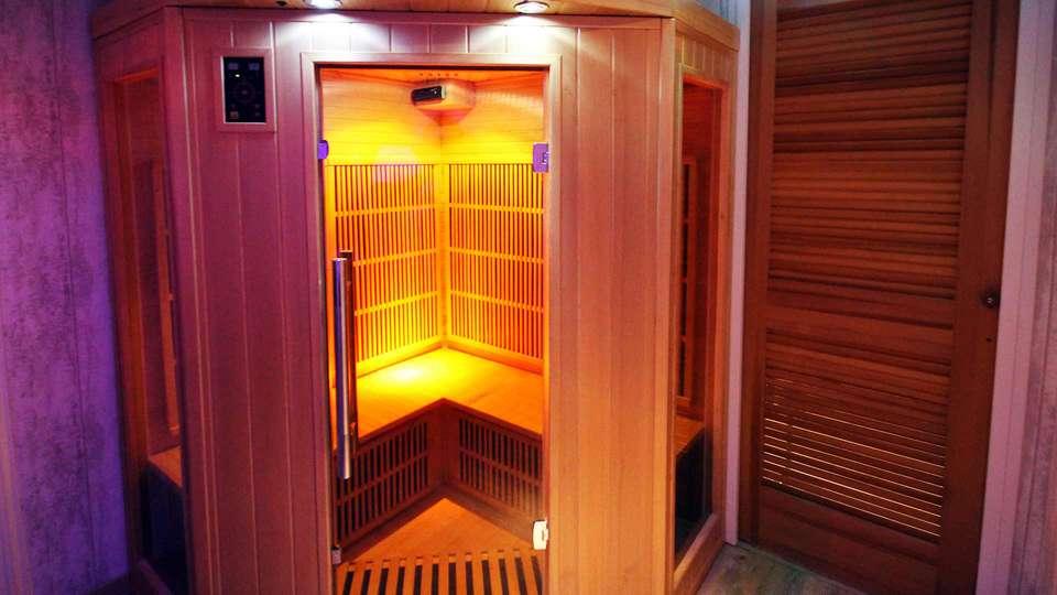 Domaine de Moresville  - EDIT_sauna.jpg