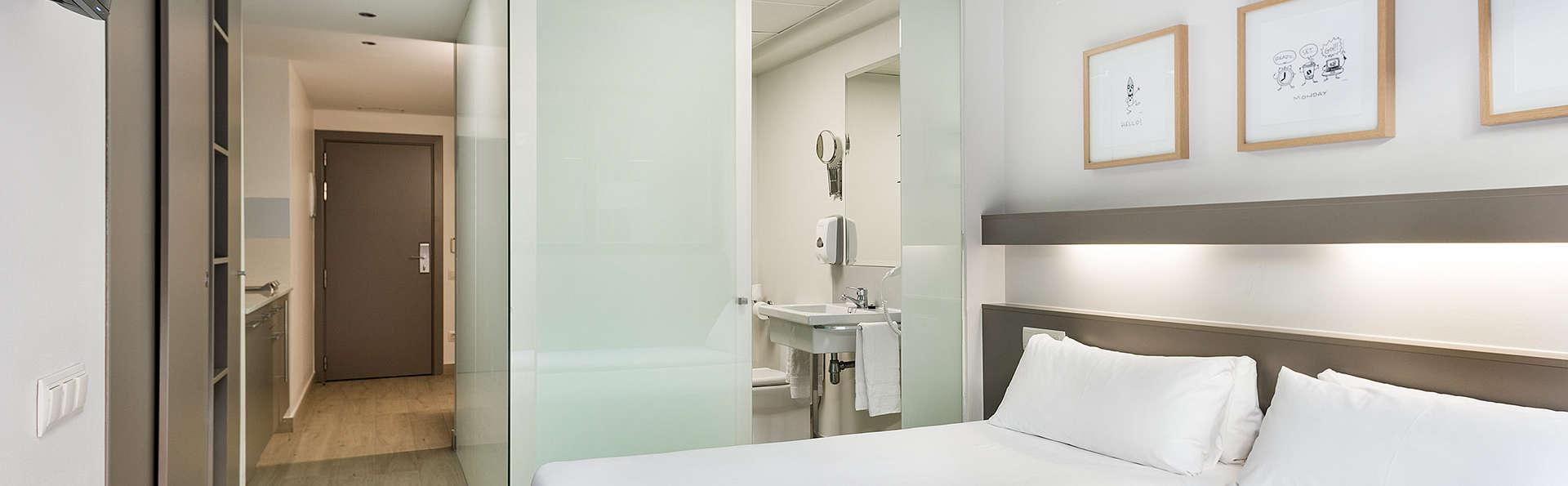 week end barcelone avec acc s la salle de fitness. Black Bedroom Furniture Sets. Home Design Ideas