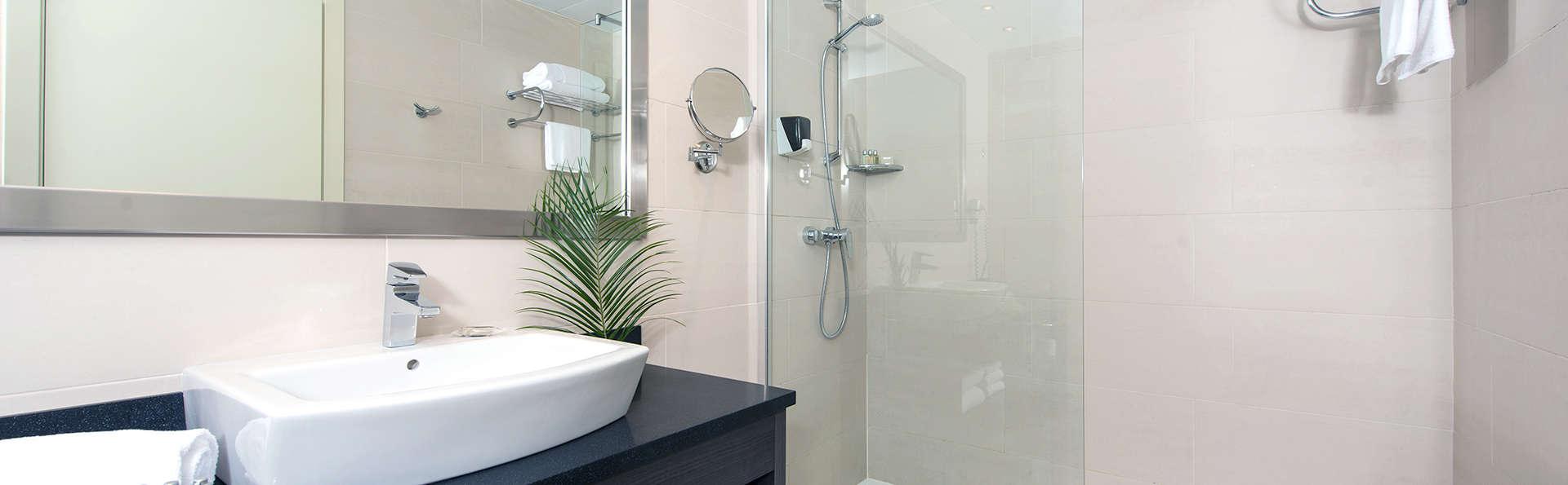Capri by Fraser Barcelona (inactive) - Edit_Bathroom.jpg