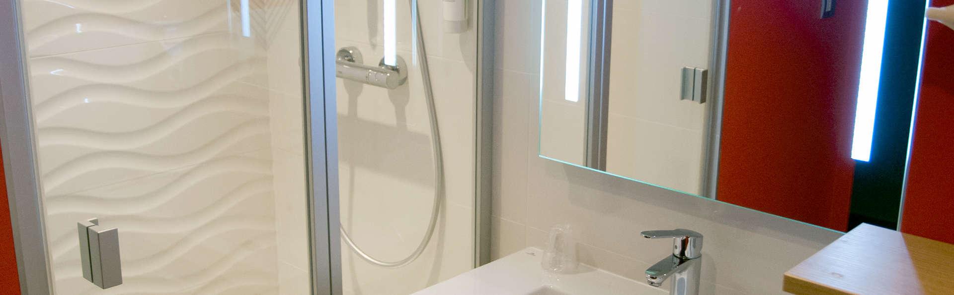 Ibis Styles Saint Malo Port - Edit_Bathroom.jpg