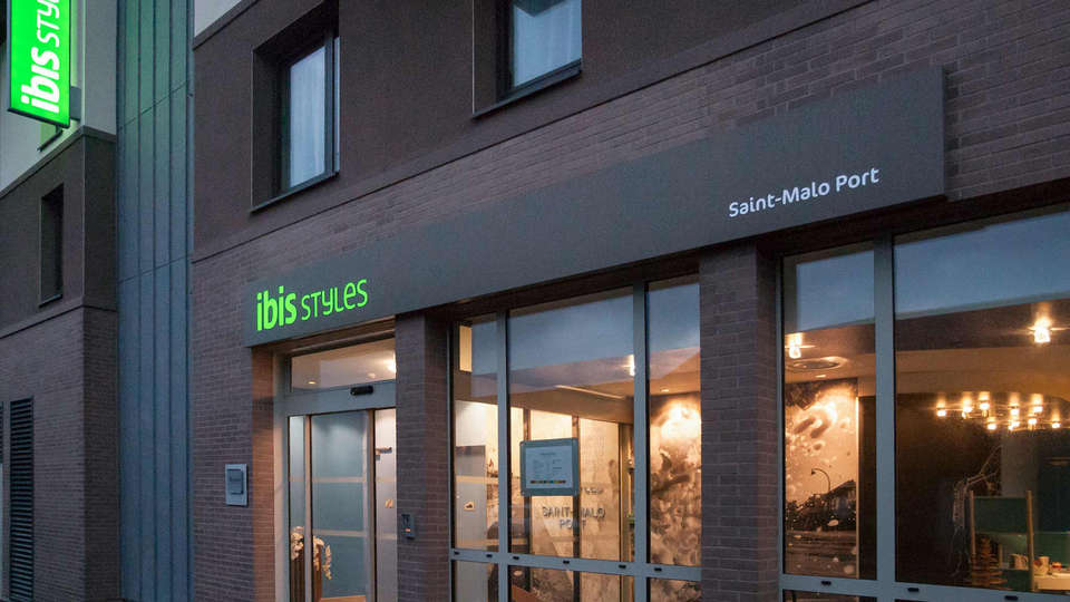 Ibis Styles Saint Malo Port - Edit_Front.jpg