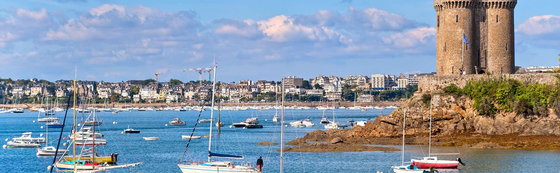Évasion sur la Côte Émeraude à Saint-Malo