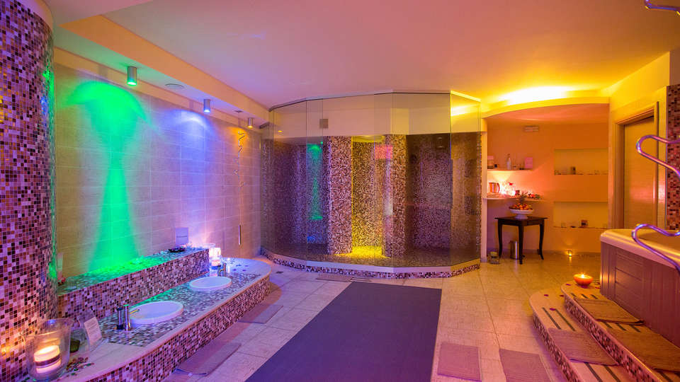 Hotel Garden - EDIT_NEW_spa.jpg