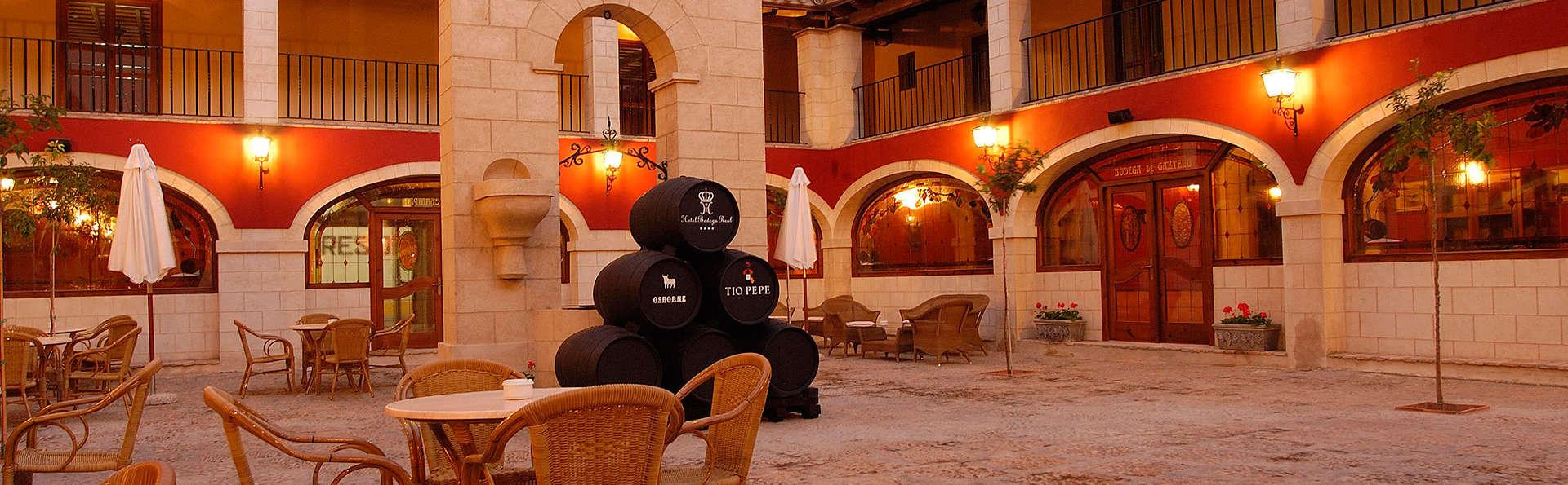 Bodega Real - EDIT_patio.jpg