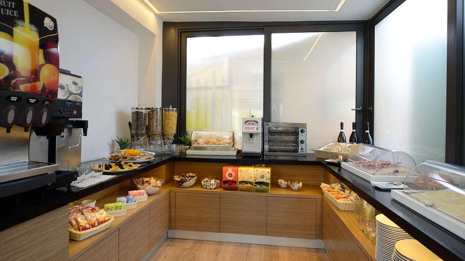Hotel Trevi - Edit_breakfast.jpg