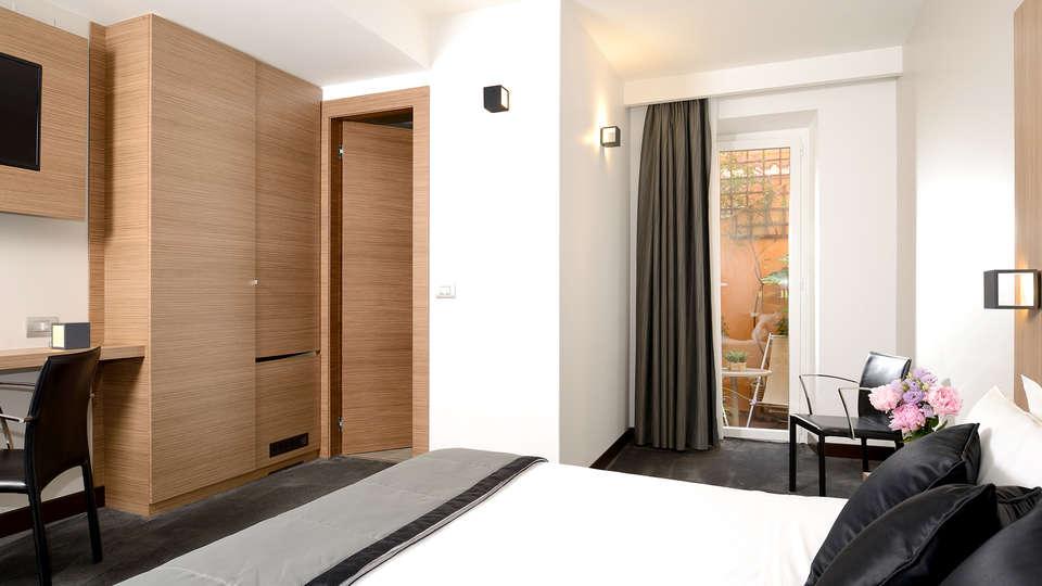 Hotel Trevi - Edit_Room3.jpg