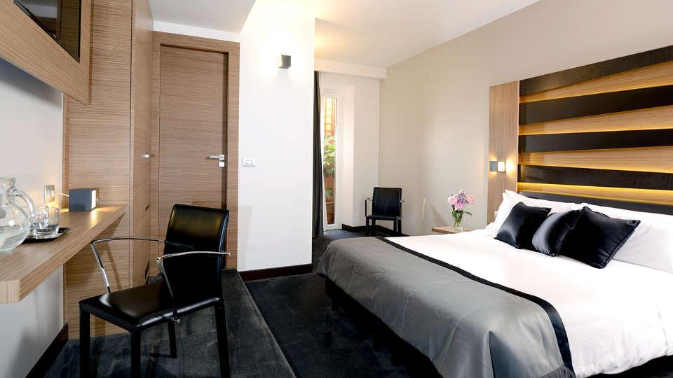Hotel Trevi - Edit_Room4.jpg