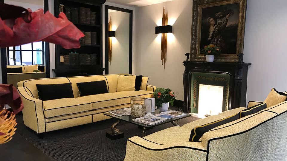 Hôtel Georges Washington - Edit_Lounge.jpg