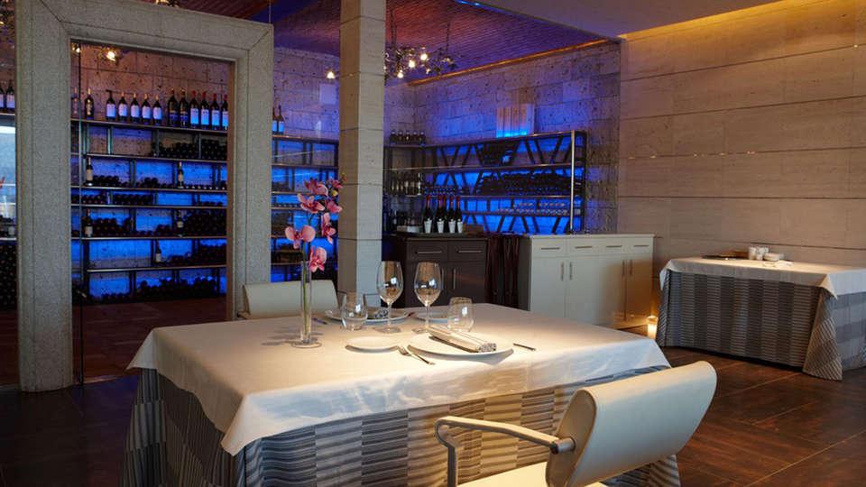 Complejo La Cigüeña - EDIT_restaurant.jpg