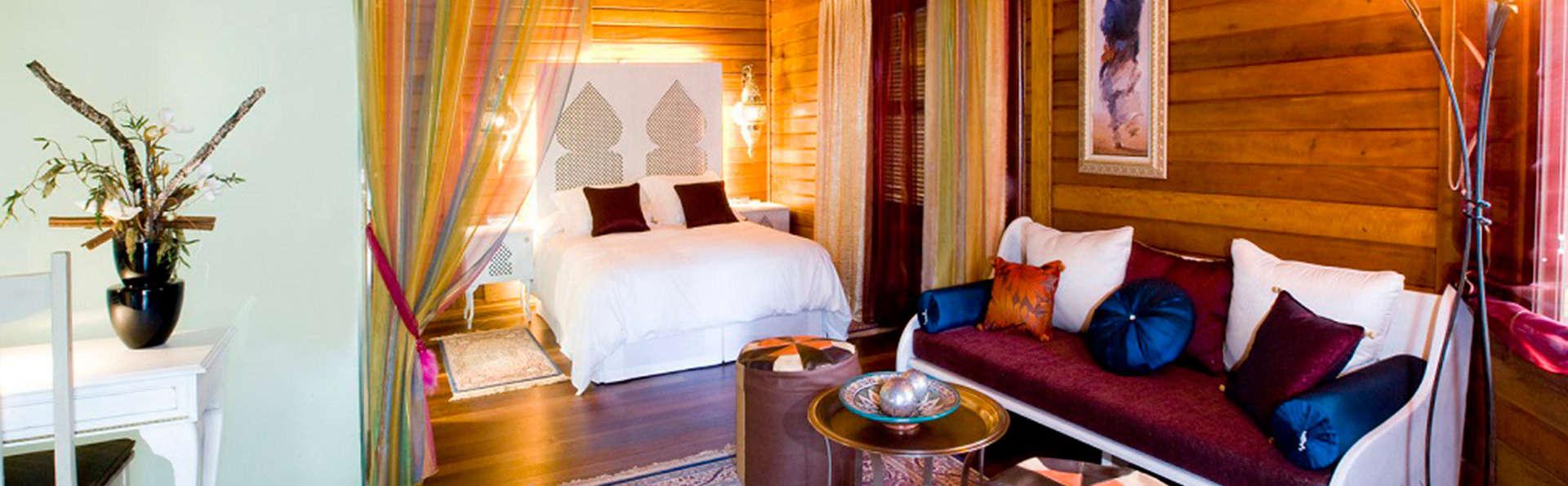 Escapada romántica en bungalow temático cerca de Madrid