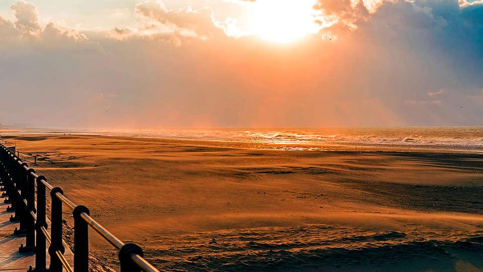 Ibis Den Haag Scheveningen - edit_destination5.jpg
