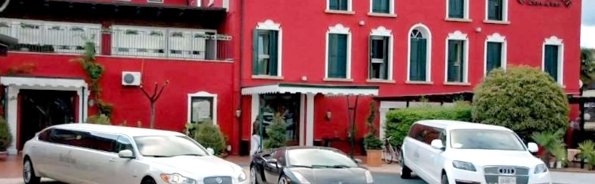 Hotel Villa Pigalle - Edit_Front.jpg