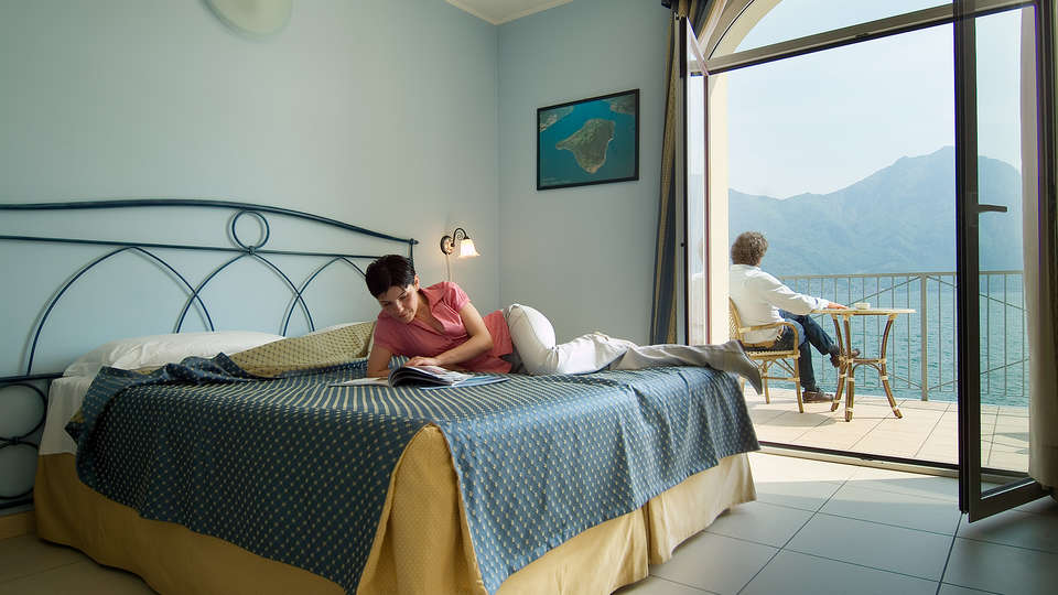 Hotel Lovere Resort & Spa - EDIT_NEW_room3.jpg