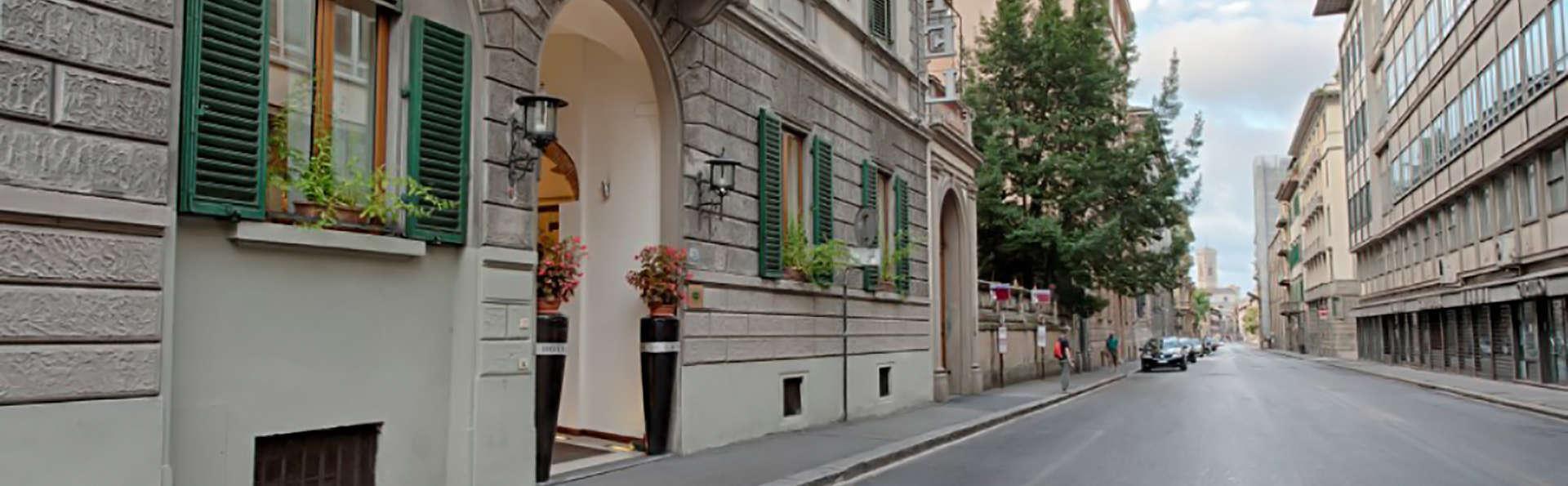 Hotel De La Pace - Edit_Front2.jpg
