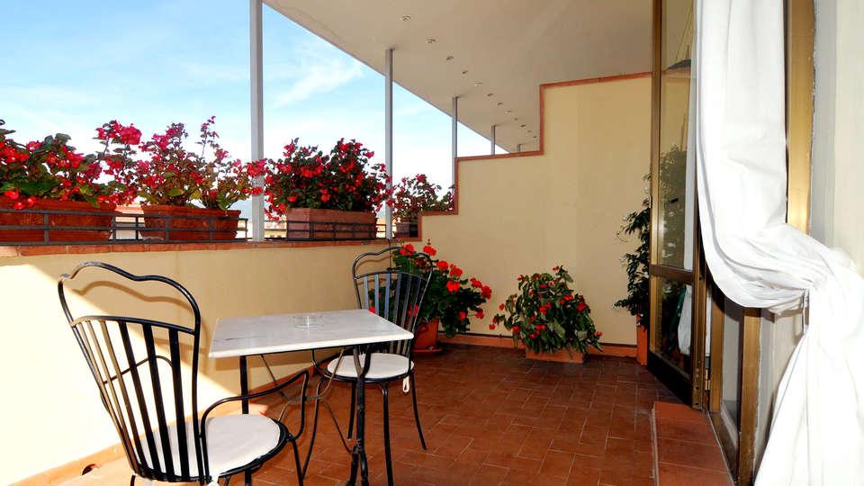 Hotel De La Pace - Edit_Terrace.jpg