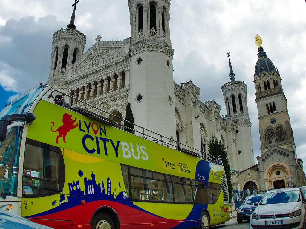 Virée citadine et touristique en bus au coeur de Lyon 3* - 1