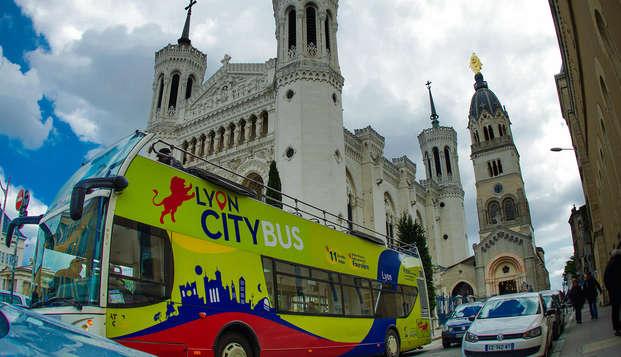 Virée citadine au cœur de Lyon avec promenade en bus touristique