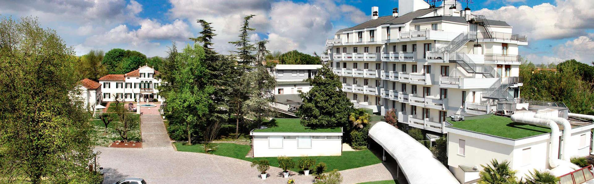 Villa Fiorita - EDIT_front.jpg