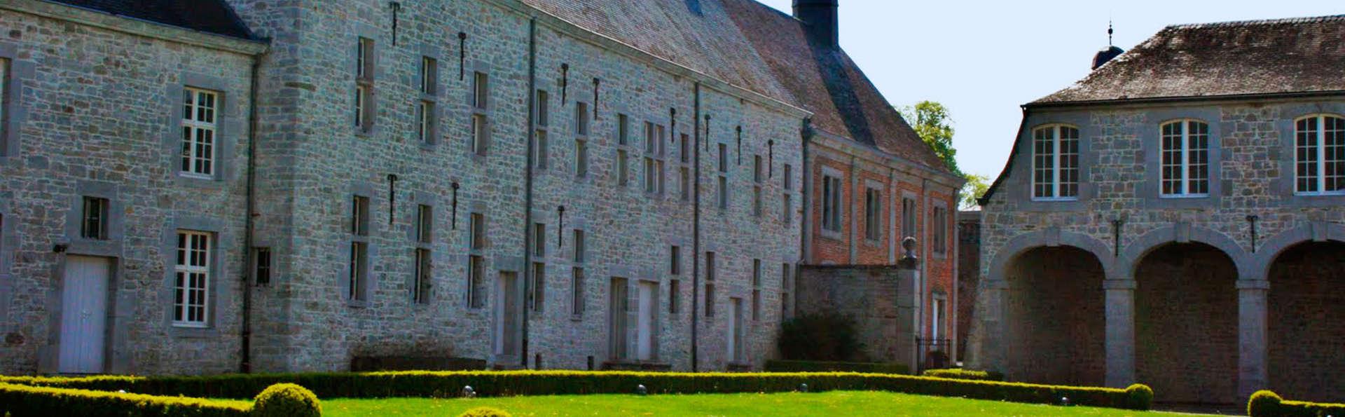 Droom weg in een oud kasteel in Modave