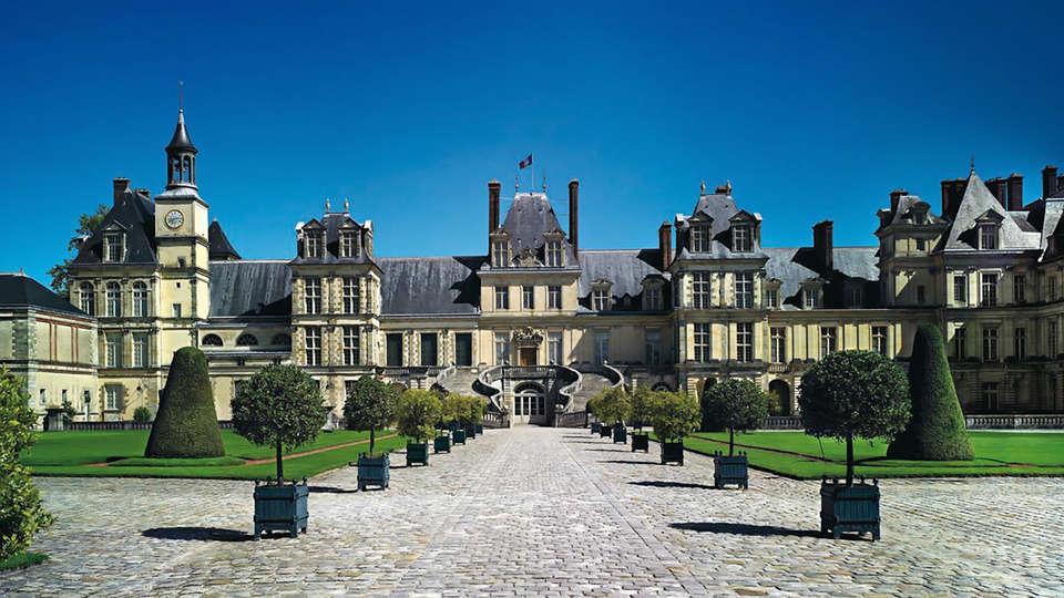 Hostellerie du Country Club - Edit_Fontainebleau2.jpg