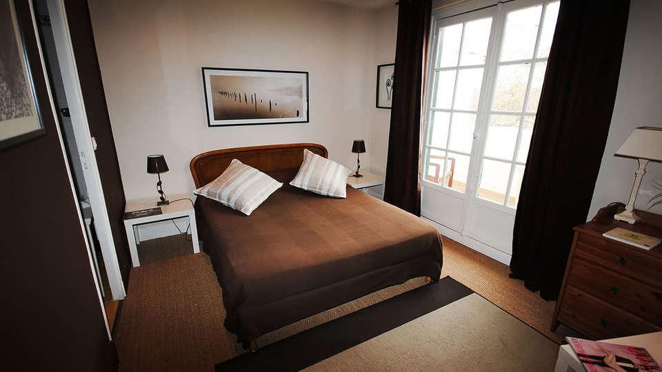 Hostellerie du Country Club - Edit_Room.jpg
