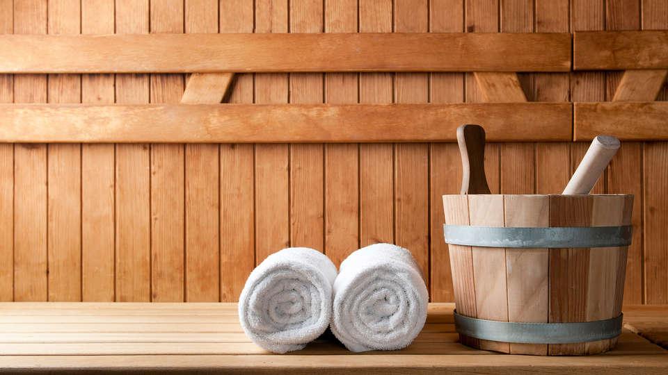 Hostellerie du Country Club - Edit_Sauna.jpg