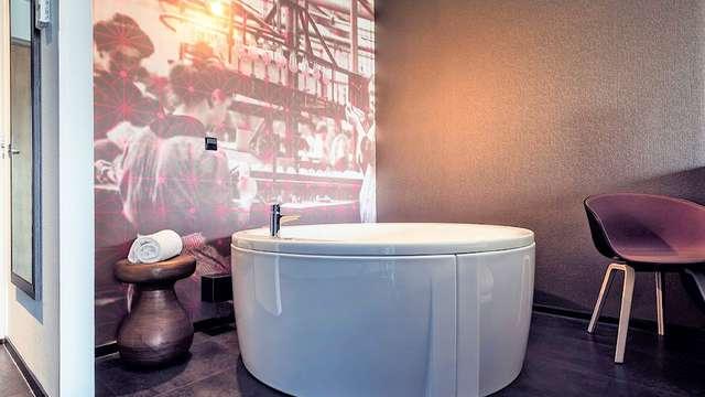 Week-end de luxe à Eindhoven avec un jacuzzi XL dans la chambre