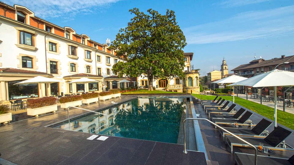 Gran Hotel Durango - EDIT_NEW_frontpool.jpg