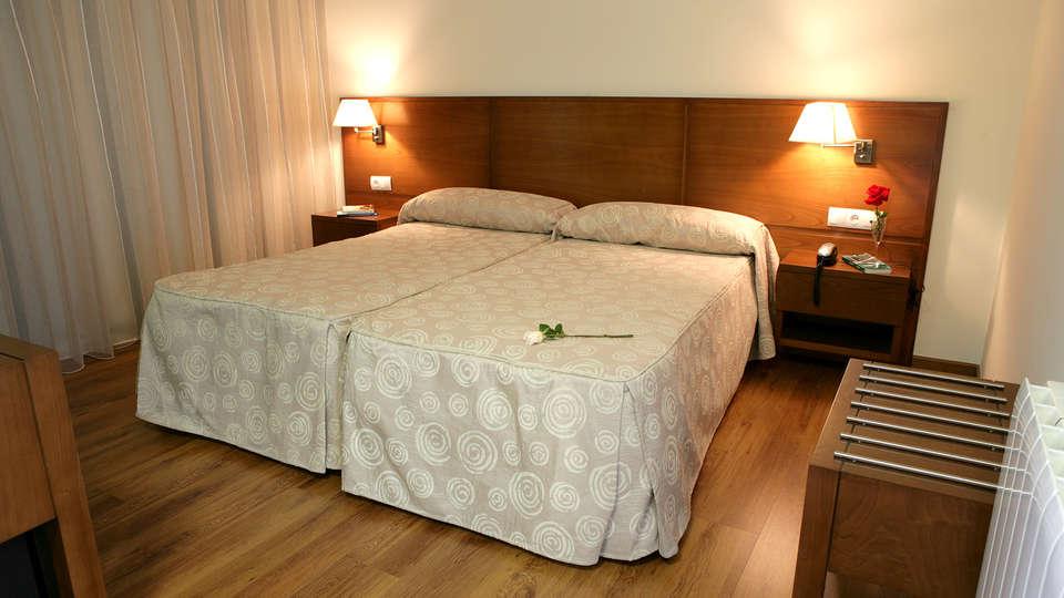 Hotel SPA Sinagoga - EDIT_room.jpg