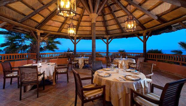 Escapada premium: relájate en media pensión en Estepona, Costa del Sol