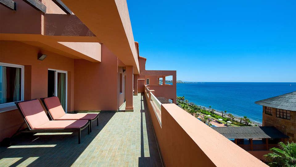 Elba Estepona Gran Hotel & Thalasso Spa - EDIT_terraza5.jpg