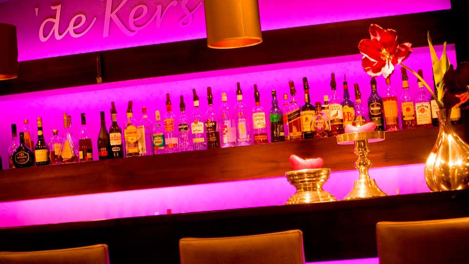 Van der Valk Hotel Breukelen - EDIT_bar.jpg